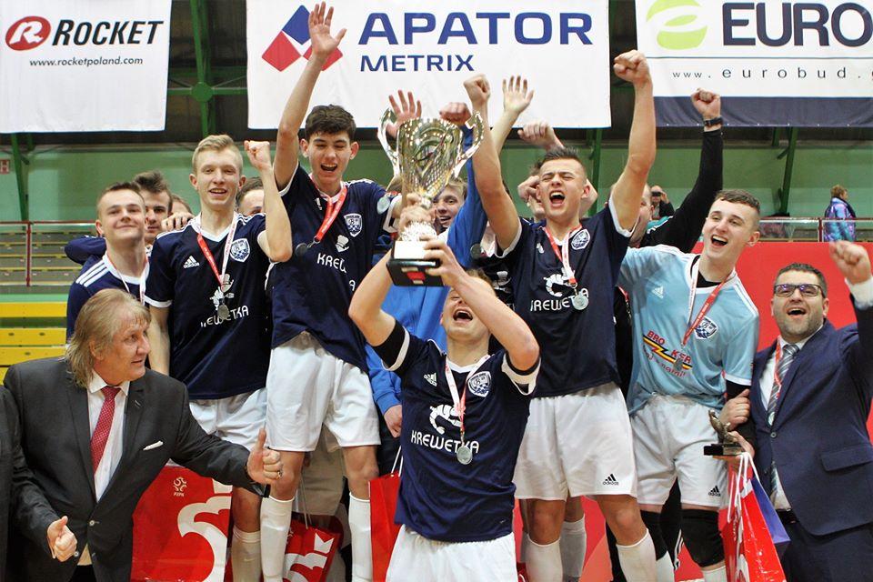 Srebrni medaliści Młodzieżowych Mistrzostw Polski U-16 w futsalu